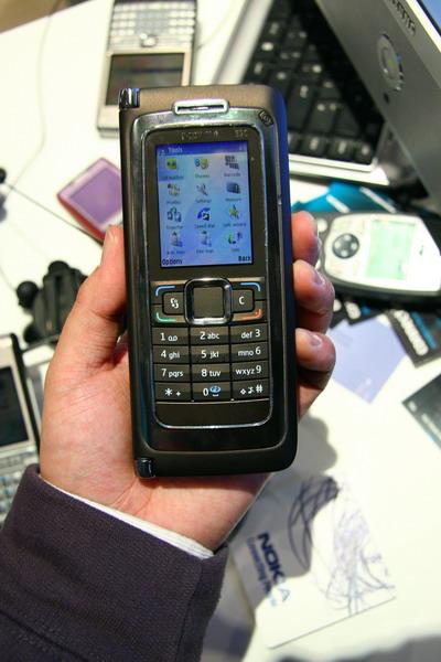 诺基亚E90 Communicator
