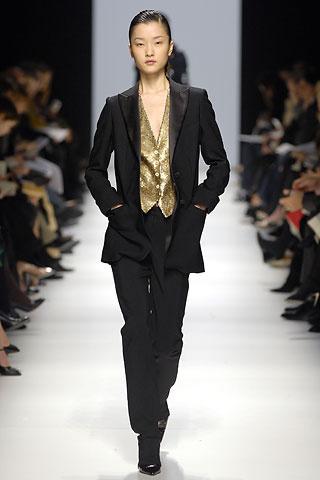 2006年2月,中国模特杜鹃成了她们中的一员.
