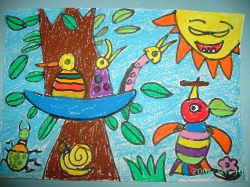这是陈文小朋友的蜡笔画——小鸟的一家.