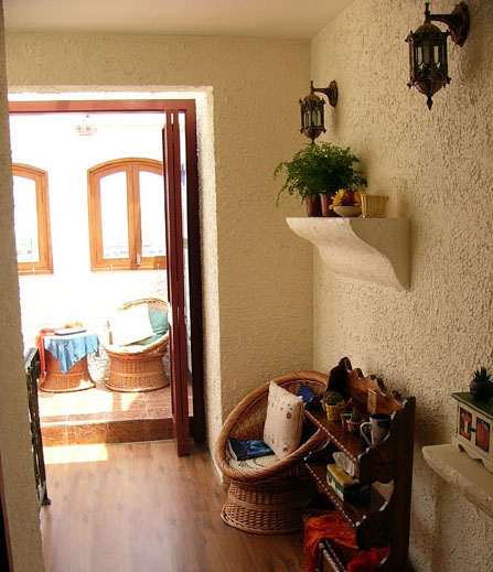 红棕色家具房间搭配